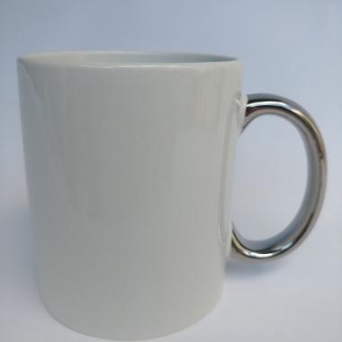 Чашка с металлизированной ручкой